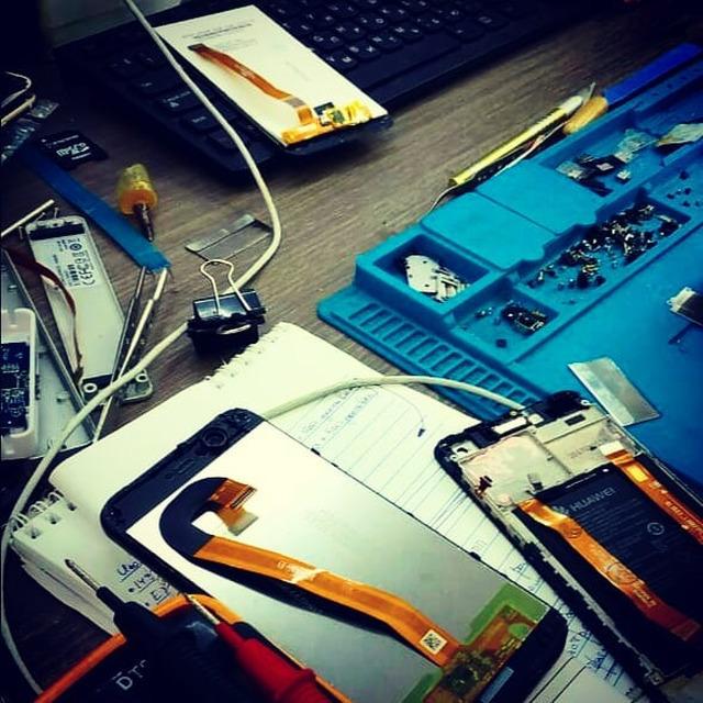 Ремонт планшетов, смартфонов!Делаем быстро и качественноЗамена дисплеяЗамена микрофонаЗамена динамикаЗамена аккумулятораЗамена слота под сим-картуЗамена разъёма для зарядки#KompuTerra #ремонт #компьютеров #городе #Вроцлав #профессионально #качественно #мастер #техника #починка #интересное #новости #польша #дёшево #проблемы #телефон #починить #замена #запчасти #купить #комплектующие #срочно #Wrocław #Wroclaw #Polska #majster #naprawa #laptop #komórka #instalike